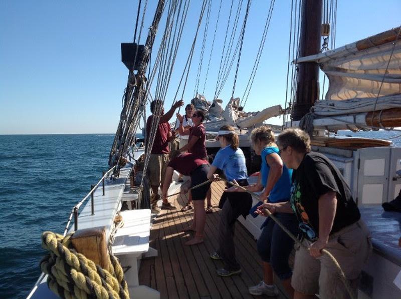2017-pulling-rope-tall-ship-educators
